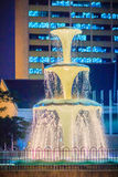 Ugelli ad alta pressione del metallo sui getti di spruzzatura della fontana di acqua i Fotografie Stock Libere da Diritti