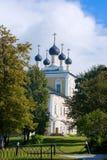 Uglich - en forntida stad på Volgaet River Arkivbilder