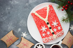 Ugly Christmas Sweater Cake , recipe for winter holiday party ,