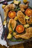 Ugn-bakad höna med grönsaker Royaltyfri Bild