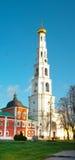 Ugresh-Glockenturm von St. Nicholas Monastery in Russland Stockfoto