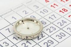 Uhr auf Kalender Lizenzfreies Stockfoto