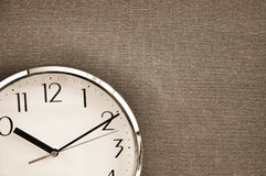 Uhr auf Segeltuch Lizenzfreie Stockbilder