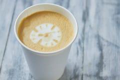 Uhr Lattekunst Stockbilder