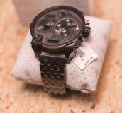 Uhr mit Preis lizenzfreies stockfoto
