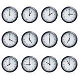 Uhr stellte mit den römischen Zahlen ein, Zeit festgesetzt an jeder Stunde Stockfoto
