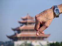 Uhr u. alte chinesische Pagode lizenzfreie stockfotos
