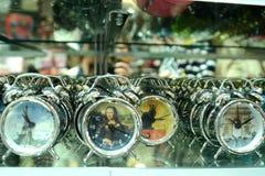 Uhren in Paris-Shop Stockbild