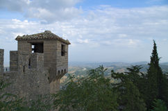 Uhrturm der Cesta-Festung Stockfotos
