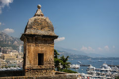 Uhrturm in Monaco Lizenzfreie Stockfotos