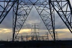 UHV-transmissietoren stock afbeelding