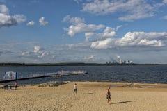 UHYST,德国, 2017年8月27日:在BA¤rwalderr湖的海滩 免版税库存图片