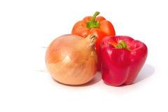 Ui en groene paprika's Stock Afbeeldingen