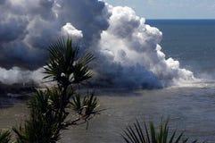 Uitbarsting op eiland 11 van de Bijeenkomst Stock Foto's