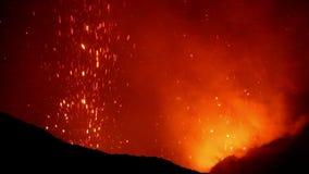 Uitbarsting van Volcano Yasur, Vanuatu stock video