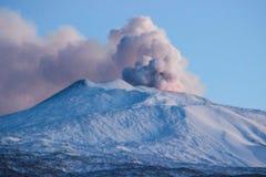 Uitbarsting van vulcano Etna stock foto