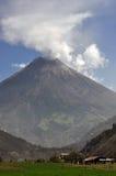 Uitbarstingen van een vulcano royalty-vrije stock foto's