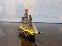 Uiterst klein houten schip royalty-vrije stock foto