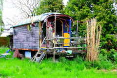 Uiterst klein huis stock fotografie