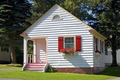 Uiterst klein Plattelandshuisje stock foto