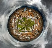 Uiterst kleine Planeet van Parque Calderon op een stormachtige dag Stock Afbeeldingen