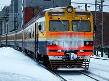 Uitgaande elektrische trein Stock Foto