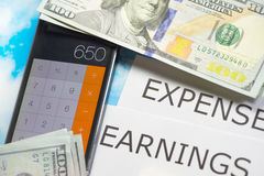 Uitgaven en inkomens royalty-vrije stock afbeelding