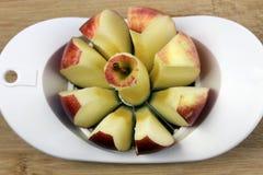 Uitgeboord en gesneden Apple Stock Afbeelding