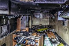 Uitgebrand winkelbinnenland stock foto