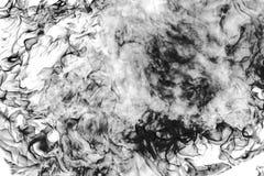 Uitgebrande stoel in een brandclose-up op een zwarte achtergrond royalty-vrije stock afbeelding