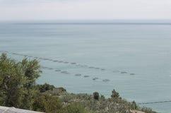 Uitgebreide aquicultuur in de Middellandse Zee stock fotografie