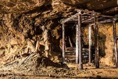 Uitgravingen in een Zilveren Mijn in Bloederige Tarnowskie, Unesco-erfenisplaats Stock Foto