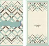 Uitnodigingskaarten op uitstekende geometrische achtergrond Royalty-vrije Stock Afbeeldingen