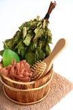 Uitrusting voor de sauna op een witte achtergrond. Royalty-vrije Stock Foto