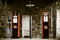 Uitstekend benzinestation Royalty-vrije Stock Afbeeldingen