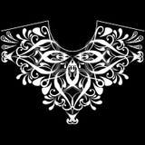 Uitstekend bloemen zwart-wit halslijnpatroon Vector sier vrouwelijke manierachtergrond Etnisch de lijnornament van de stijlhals royalty-vrije stock afbeeldingen
