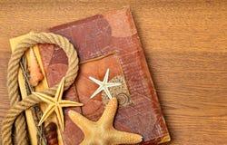 Uitstekend boek of fotoalbum met lege fotokaders Royalty-vrije Stock Afbeeldingen