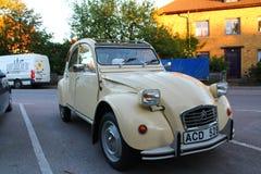 Uitstekend Citroën deux chevaux stock afbeelding