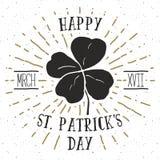 Uitstekend etiket, Hand getrokken gelukkige vier bladklaver, de Gelukkige kaart van de de Daggroet van Heilige Patricks, grunge g Royalty-vrije Stock Foto