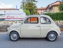 Uitstekend Fiat 500 auto in L'Eroica, Italië Royalty-vrije Stock Fotografie