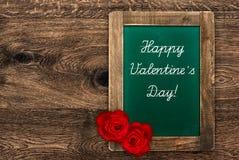 Uitstekend groen bord met rode rozen Royalty-vrije Stock Foto's