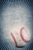Uitstekend honkbal en blauwe achtergrond Stock Fotografie