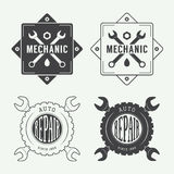 Uitstekend mechanisch etiket, embleem en embleem Stock Afbeeldingen