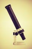 Uitstekend microscoop zijaanzicht Royalty-vrije Stock Foto