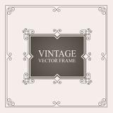 Uitstekend ornamentkader Retro huwelijksuitnodigingen, adverterende of andere ontwerp en plaats voor tekst Bloeit kader Royalty-vrije Stock Foto