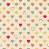 Uitstekend retro naadloos patroon met kleurrijke harten op doekachtergrond royalty-vrije illustratie