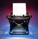 Uitstekend schrijfmachine en document Stock Afbeeldingen