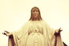 Uitstekend sepia beeld van van het Maagdelijke standbeeld van Mary Stock Fotografie