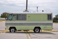 Uitstekend Sta-caravan Royalty-vrije Stock Fotografie