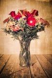 Uitstekend textuurboeket van bloemen royalty-vrije stock foto
